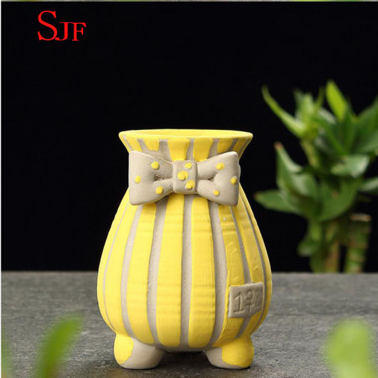 Ceramic Simple Creative Hand-Painted Flowerpot.