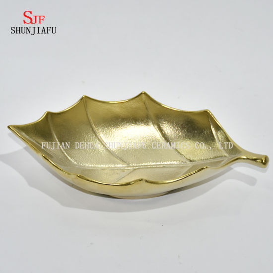 Unique Shape, Electroplated Ceramic Plate/Snake Dishes/Dry Goods Dishes