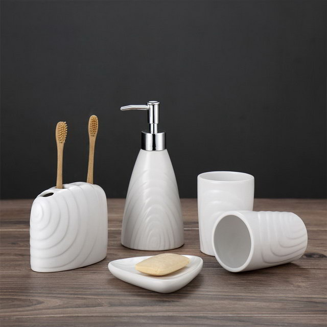 Water Transfer Printing Set Five Hotel Family Use Bathroom Sanitary Bathroom Accessory Ceramic Bathroom Set Accessories